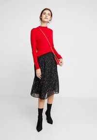 comma casual identity - REPEAT TURTLE NECK JUMPER - Jumper - red - 1