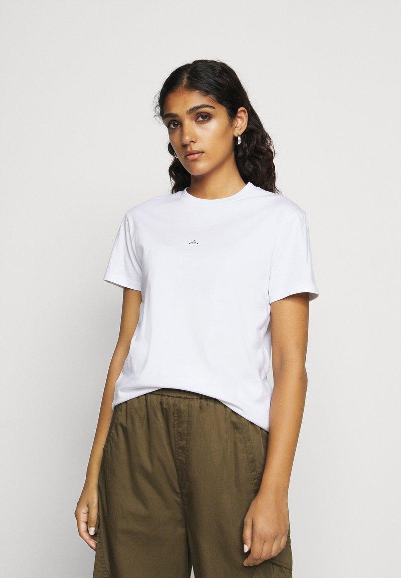 Holzweiler - SUZANA TEE - T-shirts - white