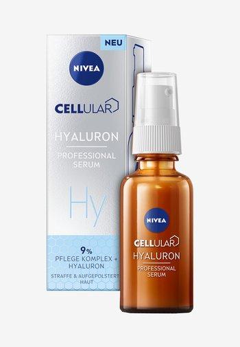 NIVEA FACE HYALURON BOOST - Serum - -