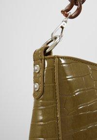 HVISK - AMBLE CROCO - Handbag - olive - 5