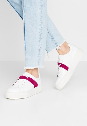 Trainers - white/cranberry