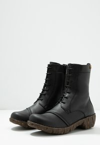 El Naturalista - YGGDRASIL - Lace-up ankle boots - black - 4