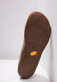 Merrell - VAPOR GLOVE LUNA - Minimalist running shoes - dusty olive - 8