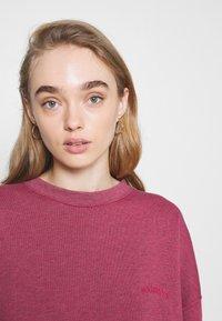BDG Urban Outfitters - CREWNEWCK  - Sweatshirt - raspberry - 3