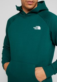 The North Face - REDBOX HOODIE - Mikina s kapucí - night green - 3