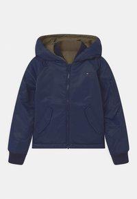 Tommy Hilfiger - REVERSIBLE  - Winter jacket - twilight navy/olive - 0