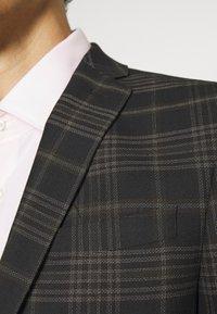 Limehaus - Kostym - brown - 8