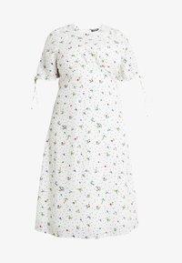 Fashion Union Plus - FASHION UNION MIDI DRESS WITH SLEEVE TIES - Day dress - white - 4