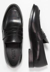 Zalando Essentials - Smart slip-ons - black - 1
