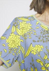 Emily van den Bergh - Bluser - yellow/blue - 5
