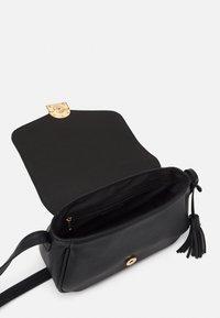 Anna Field - Across body bag - black - 2
