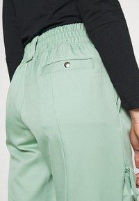 Jordan - ESSEN UTILITY PANT - Cargo trousers - steam - 4