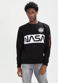 Alpha Industries - NASA INLAY  - Sudadera - black - 0
