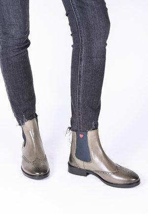 TONI  - Ankle boots - grau