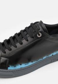 MCM - TERRAIN DERBY - Sneakersy niskie - black - 5