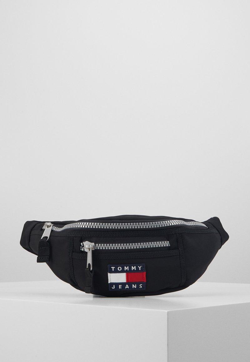 Tommy Jeans - HERITAGE BUMBAG - Bum bag - black