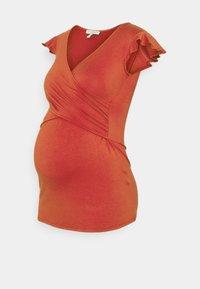 FRANCINE - T-shirt z nadrukiem - brick colour