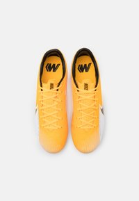 Nike Performance - MERCURIAL VAPOR 13 ACADEMY FG/MG - Botas de fútbol con tacos - laser orange/black/white - 3