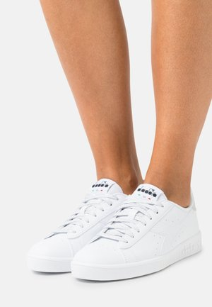 GAME P - Sneakers laag - white/silver