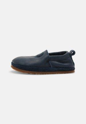 BAREFOOT OUTDOOR UNISEX - Nazouvací boty - blau