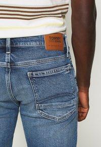 Tommy Jeans - RONNIE - Szorty jeansowe - blue denim - 5