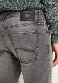 Jack & Jones - JJIGLENN JJORIGINAL - Slim fit jeans - grey denim - 7