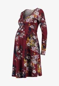 Anna Field MAMA - Pletené šaty - red/dark blue - 3