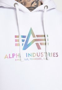 Alpha Industries - BASIC HOODY RAINBOW PRINT - Hoodie - white - 3