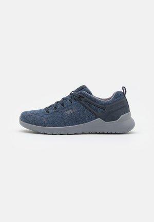 HIGHLAND ARWAY - Pohodniški čevlji - navy/steel grey