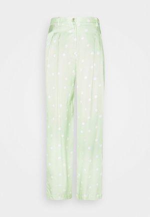 LUNA TROUSERS - Pantalon classique - foam green