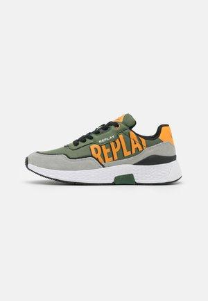SPORT JOLLY - Trainers - green grey orange