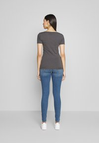 Anna Field Tall - 3 PACK - Basic T-shirt - white/black/dark grey - 3