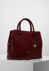 L. CREDI - MAXIMA HENKELTASCHE 28 CM - Handbag - rot - 0