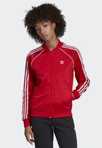 adidas Originals - SST TRACK TOP - Bombejakke - red - 0
