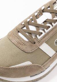 Lacoste - PARTNER RETRO - Baskets basses - khaki/offwhite - 2
