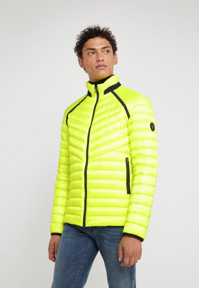 LIMAN - Untuvatakki - neon yellow