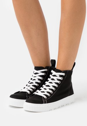 TAURUS  - Sneakers high - black