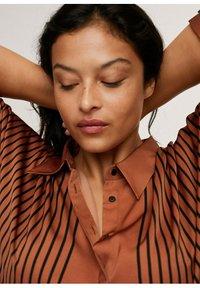 Mango - Button-down blouse - marrón - 3