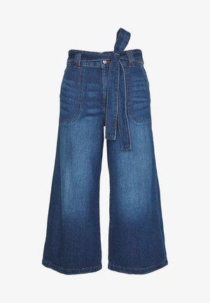 WIDELEG CROP - Flared Jeans - blue dark