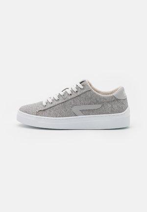 HOOK - Sneakers - greyish/neutral grey/white