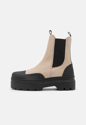 VIOLA  - Platform ankle boots - nude