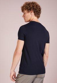 Emporio Armani - Basic T-shirt - blu scuro - 2