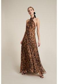 Luisa Spagnoli - Maxi dress - marrone - 1