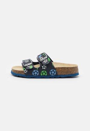 FUSSBETTPANTOFFEL - Slippers - blau