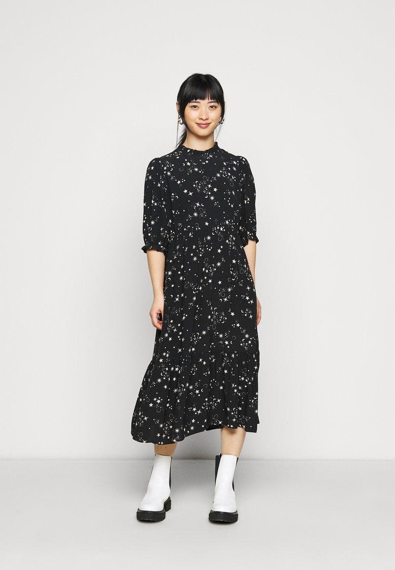 New Look Petite - PIECRUST PUFF STAR DRESS - Denní šaty - black