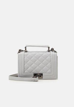 MIA BAG - Taška spříčným popruhem - light grey