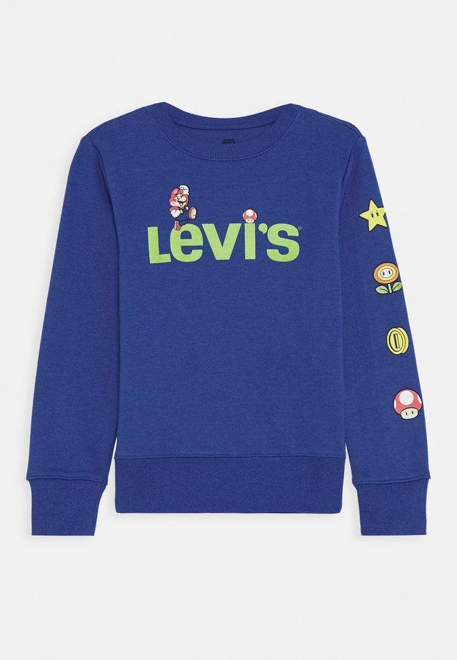 LEVIS MARIO ICONS CREWNECK - Sweatshirt - game royal