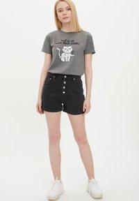 DeFacto - Shorts vaqueros - black - 0
