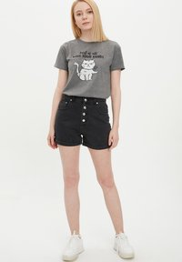 DeFacto - Denim shorts - black