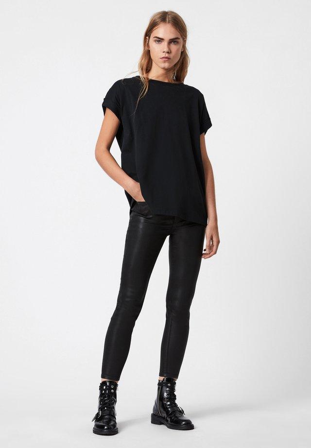 IMOGEN BOY JAINE TEE - T-shirt imprimé - black
